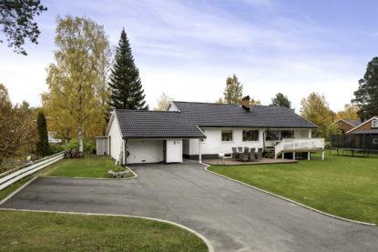 Smakfullt renoverad villa med bra läge!